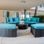 kings-inn-patio-seating